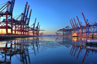 Port of Hamburg (Photo by Sebastian Warneke)
