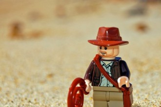 LEGO_Indiana_Jones_in_the_Desert_(2810749797)