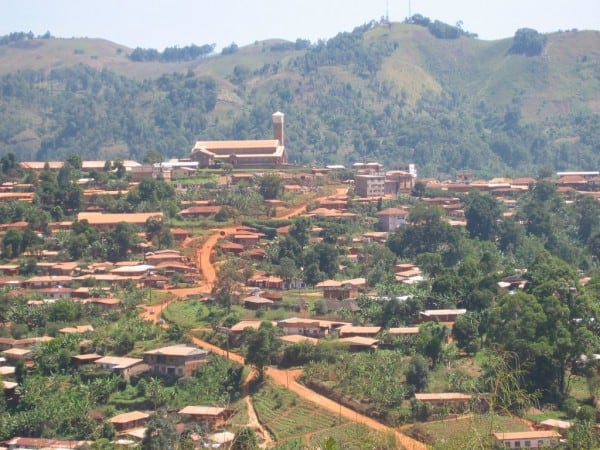 Kumbo, Cameroon. Photo by Tavmjong via Wikimedia Commons, CC BY-SA 3.0