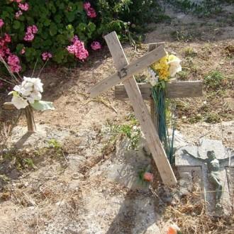 Lampedusa (Italy), 2012: nameless graves (Photo by Paolo Cuttitta)