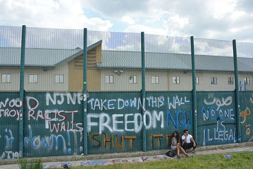 Yarl's Wood Detention Centre (Photo by Darren Johnson, flickr, CC BY-NC-ND 2.0)